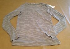 NWT Under Armour Semi Fitted Womens Long Sleeve All Season Gear Gray Camo Large