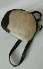 Borsa Tracolla/da cintura Pelle colore nero  con finitura esterna pelo di foca