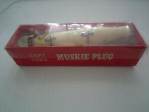 Lucky Strike Muskie Plug Lure - Vintage in original box!