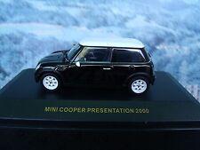 1/43 IXO Mini cooper    2000