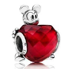 Charm en plata de ley Corazón de Amor de Mickey