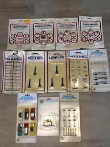 Life-Like Bachmann Street Light People HO Scale Scenery Accessories Lot Sign Car