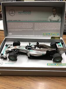 SCALEXTRIC 2014 Mercedes AMG F1 Lewis Hamilton - slot car 1:32 scale c3593at New