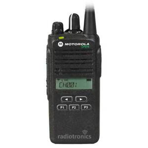Motorola CP476 UHF CB Two Way Radio 5 Programmable UHF Channels Includes Charger
