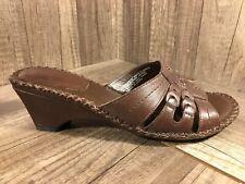 Womens 7.5 White Mountain Angus Chocolate Wedge Slide Sandals