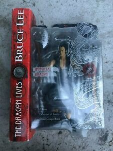 Art Asylum The Dragon Lives Bruce Lee Figure