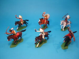 BRITAINS DSG * INDIANS MOUNTED  (6 figures) * FAR WEST * PLASTIC TOY SOLDIERS