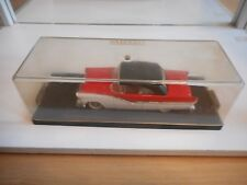 Vitesse Ford Fairlane in Red/White on 1:43 in Box