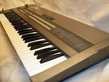 Roland JX-8P polyphoniques synthétiseur analogique plus Roland M-16C Mémoire Cartouche