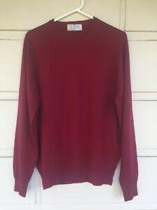 John Smedley (UK) BNWOT garnet-red wool classic crew neck men's jumper Size S