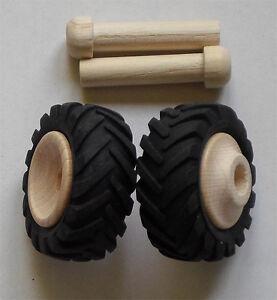 2 Holzräder mit Profilgummi, Traktorreifen klein, #3540