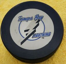 TAMPA BAY LIGHTNING    NHL HOCKEY PUCK VINTAGE  INGLASCO  ORANGE LABEL SLOVAKIA