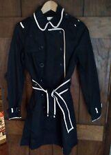 COUNTRY CASUALS Ladies Negro Trenchcoat rainmac Pequeño nuevos con etiquetas