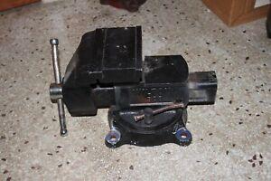 Vintage Wilton 4500 Bench Mount Vise 5-1/2 Steel Jaw Case Iron Swivel Base
