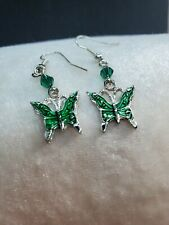 GORGEOUS EMERALD GREEN BUTTERFLY DANGLE W/GREEN BEADS ON SILVER FISH HOOK #804