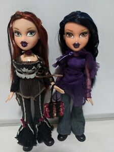 MGA Bratz lot -  2 Midnight Dance dolls 2005 Fianna Yasmin w clothes accessories
