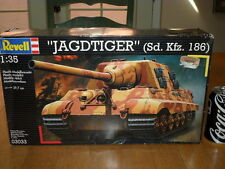 WW#2, GERMAN - JAGDTIGER TANK (Sd.Kfz. 186), Plastic Model Kit, Scale 1/35
