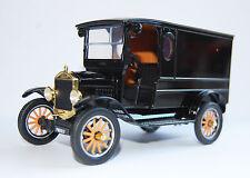 Oldtimer Ford Model T, Paddy Wagon, schwarz, Bj. 1925, Maßstab 1:24, Motormax
