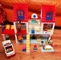 VINTAGE LEGO DUPLO 5795 BIG CITY HOSPITAL LOVELY CONDITION 4 FIGURES