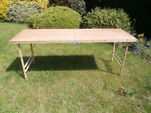 Pasting table foldable