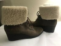 """UGG """"Zea"""" Brown Leather Shearling Lined Lace Up Wedge Boots 12US 43EU sn 1003360"""