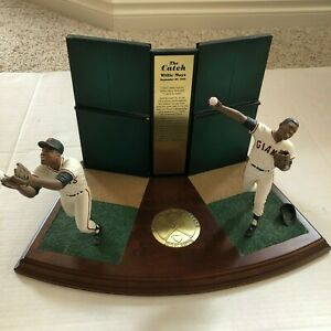 """Willie Mays """"The Catch"""" Danbury Mint Collectible Figurine San Francisco Giants"""