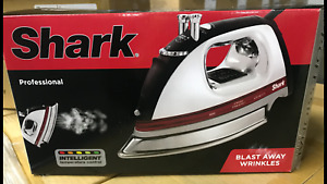 SHARK G1435N Professional Electronic Iron steam intelligent tempersture control