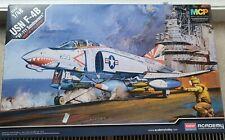 Academy USN F-4B Phantom 1:48 / Tamiya, Kinetic, Eduard, Hasegawa
