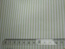 grün-weiß,schmal  gestreifte TAPETE,ideal für PUPPENSTUBE Bogen:30x53cm