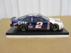 1/18 Rusty Wallace #2 1999 Ford Taurus Miller Lite NASCAR Action diecast 1/2508