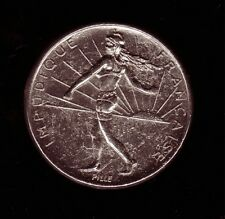 Pin's original  Piece de 1 franc Marianne Impudique Francaise Pin'up Sexy rare