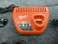 $ 6.99 MILWAUKEE 48-59-2401 M12 12 Volt Lithium Ion Charger Use with 48-11-2401