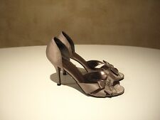 Stunning champagne satin peep-toe heels by high-end brand PIERRE FONTAINE sz9