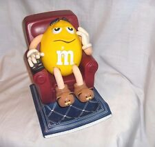 #536 - M&M'S CANDY DISPENSER - YELLOW PEANUT IN RECLINER CHAIR