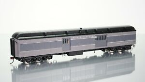 Walthers Heavyweights Baggage Car Union Pacific Grey HO scale
