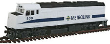 Walthers Trainline HO Scale EMD F40PH Diesel Locomotive Metrolink #800