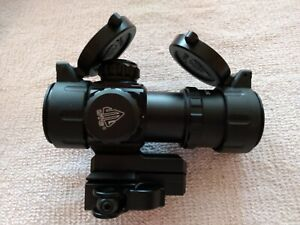 UTG, Red Dot, 4.0 MOA Dot, 30mm w/Integral QD Mount, mfg SCP-DS3039W