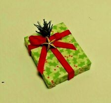 Dollhouse Miniature Handcrafted Christmas Holiday Gift Package Holly & Bow 1:12