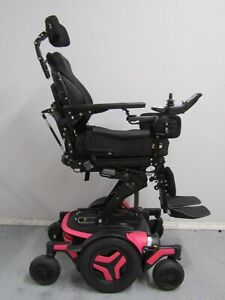 2020 PERMOBIL M3 WHEELCHAIR,POWER TILT,RECLINE,LEGS AND LIFT. 4 MILES ONLY.