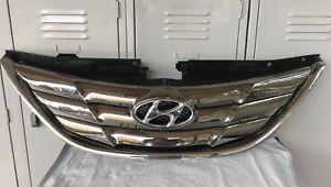 Genuine 11-12-13 Hyundai i45 Sedan  Front/ Radiator Grill/ Grille, 2011-2013.