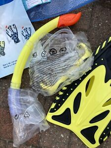 2 Snorkelling Sets. Includes flippers, goggles and snorkel. BNIB