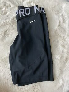 New Nike Women's Pro Shorts Size Medium 8 Inch In Length