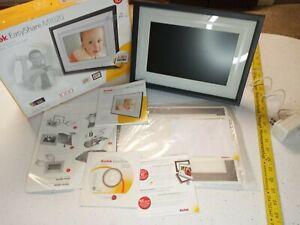 "Kodak EasyShare M1020 10"" Wireless Digital Picture Frame WiFi Open box NEW"