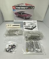 AMT 1970 Dodge Challenger  R/T. #6466 1/25 Vtg Model Kit NEW (All Parts Sealed)