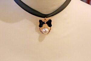 Trendy Black leather choker with pearl pendant