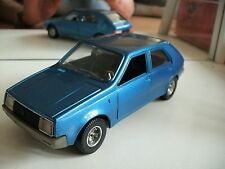 Bburago burago Renault 14 TL in Dark Blue on 1:24
