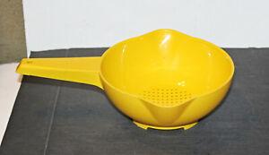Vintage Tupperware Yellow 1 Qt Colander Strainer #1200
