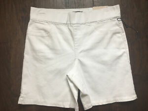 NYDJ Womens White Denim Sz 4 Lift Tuck Technology Pull On Short Cool Embrace NWT