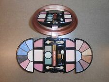 DELUXE MAKEUP KIT BY RUBY ROSE. EYESHADOWS AND BLUSHES # HB 2520 PK - COLOR #2