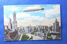 RARE - 1929  ZEPLIN  FLYING OVER CITY HALL PARK - NEW YORK - POSTCARD